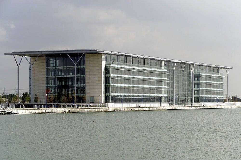 The Royals Business Park, Docklands, London 20