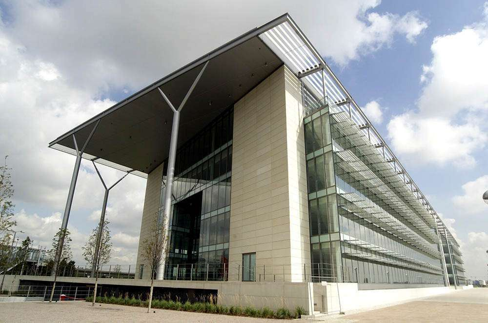 The Royals Business Park, Docklands, London 23